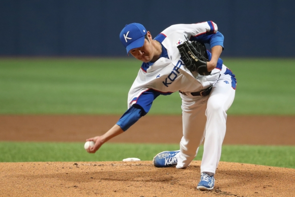 S. Korea beats military club in tuneup for Olympic baseball qualifiers