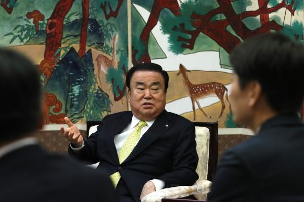 Speaker Moon kicks off parliamentary diplomacy in Japan amid frayed ties