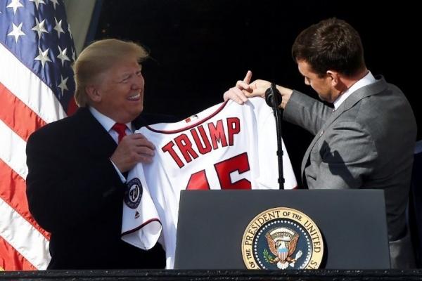 美백악관에 울려퍼진 아기상어…트럼프