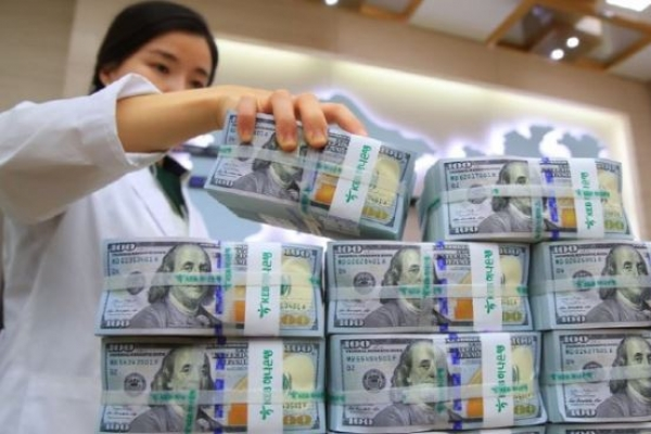 S. Korea's FX reserves hit record high amid weak US dollar