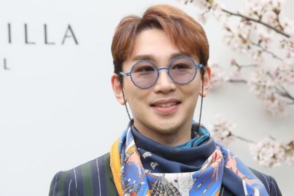 뮤지컬배우 김호영 성추행 혐의 피소…