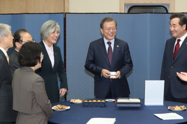 Moon highlights importance of ASEAN ahead of summits