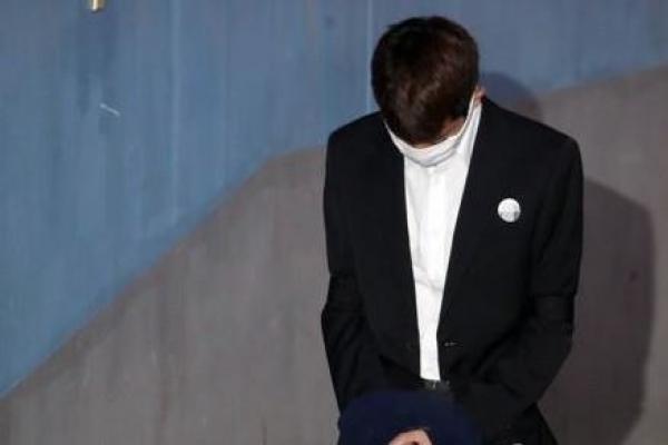 가수 정준영에 징역 7년 구형…