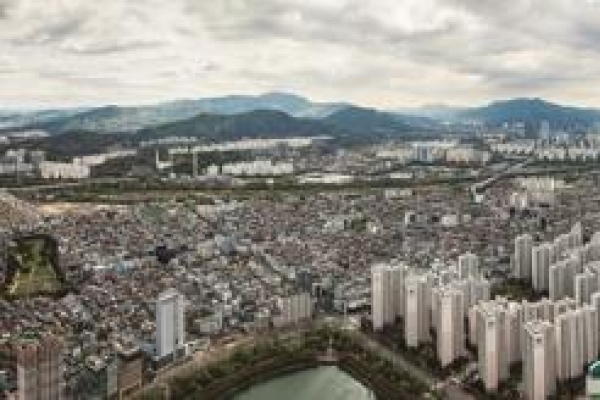 Apartments account for 59 % of all homes in S. Korea