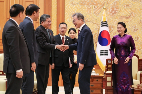 [ASEAN-Korea summit] South Korea forges close ties with Southeast Asia amid 'fourth industrial revolution'