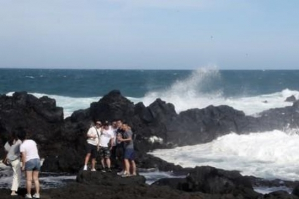 Tourists to Jeju expected to top 15m again this year