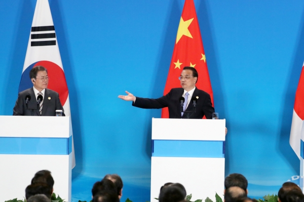 Facing US trade uncertainty, China seeks closer ties with neighbours