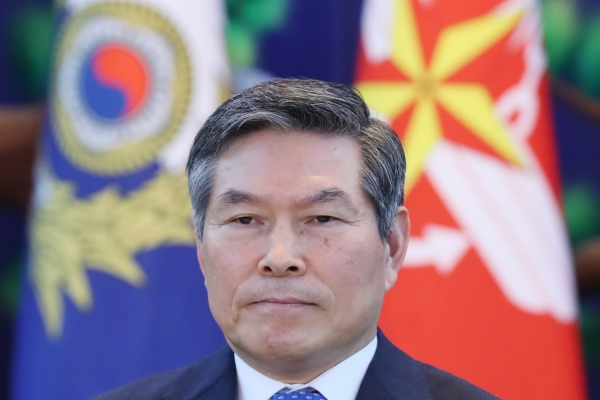 Defense chief reiterates military readiness for any NK provocation