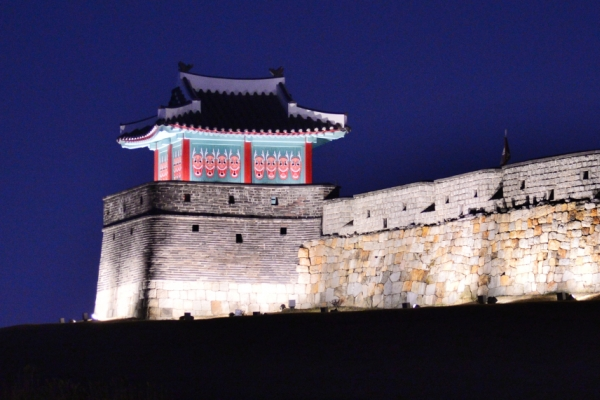 [Eye plus] Look into King Jeongjo's dream city: Hwaseong Fortress