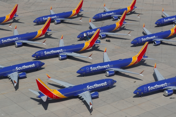 Boeing says 737 MAX return delayed until mid-2020