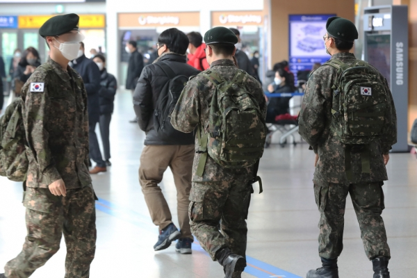 Military has 6 infected, 1,300 quarantined
