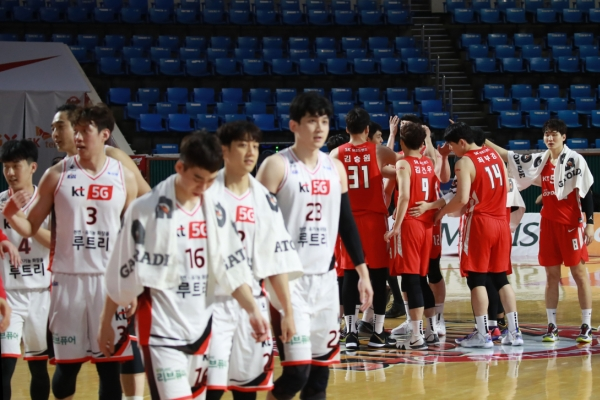Suspended men's basketball season to resume after 4 weeks