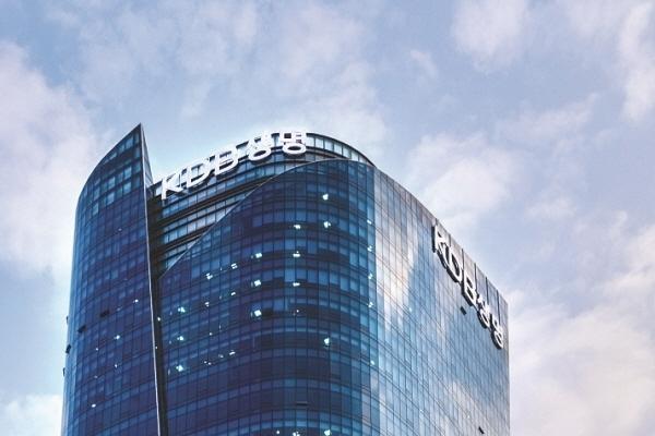 Financial regulator backs KDB ownership of insurer