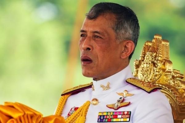 Thai K-pop fans trending #Dispatch to vent frustration at monarchy