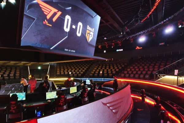 T1 and GenG to play in LCK finals on Saturday