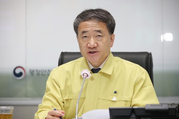 Govt. fully backs local development of coronavirus treatment drug, vaccine: minister