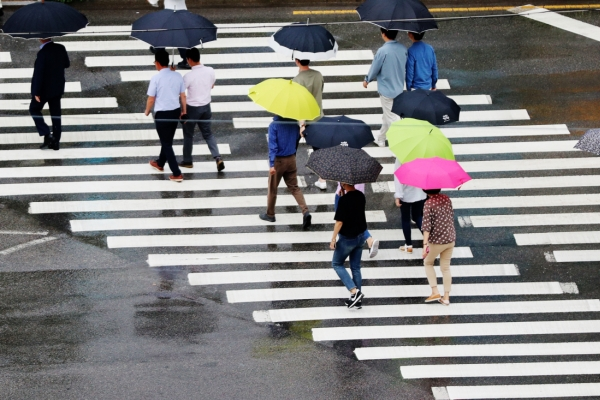 Heavy rain, strong winds expected in Korea