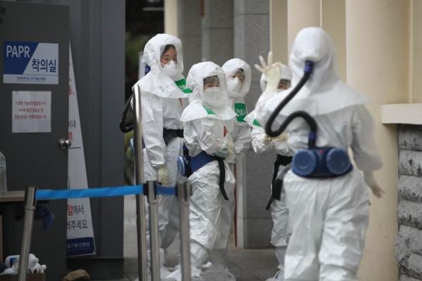 S. Korea's fight against coronavirus wins favorable reviews from overseas: survey