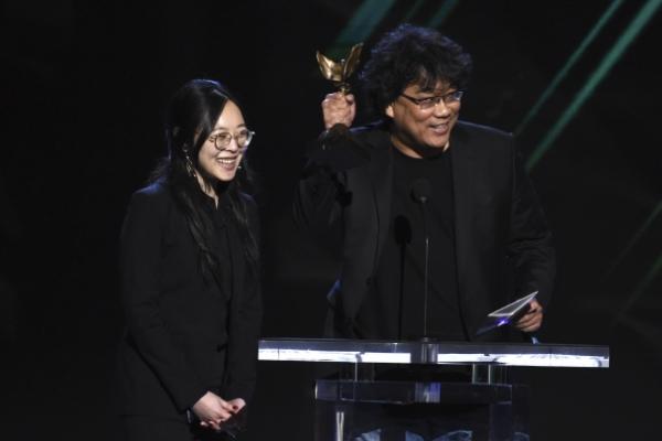 'Parasite' director Bong's interpreter Choi receives prestigious diplomacy award