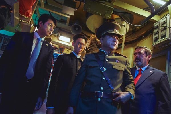 Summit takes place on submarine in 'Steel Rain 2'