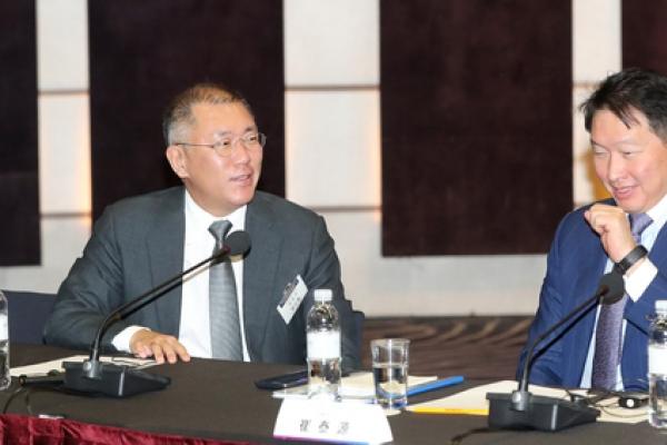 Hyundai Motor, SK chiefs to discuss EV battery biz next week