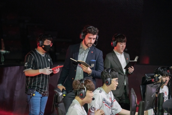 First foreign head coach of LCK continues his magic