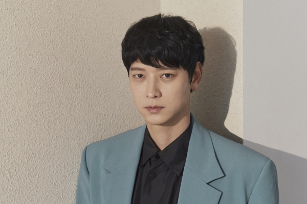 [Herald Interview] Gang Dong-won falls for zombie genre while filming 'Peninsula'