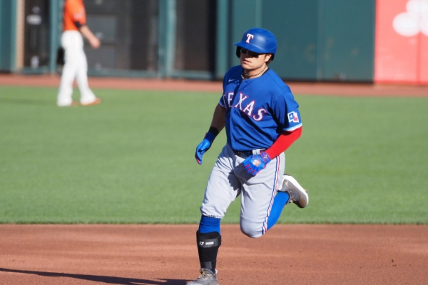 Choo Shin-soo homers to help Rangers beat San Francisco