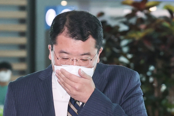 Vice FM Choi leaves for US for talks with Biegun on peninsula peace process, alliance issues