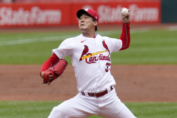 Cardinals' Kim Kwang-hyun back pitching at home park while recovering from kidney ailment