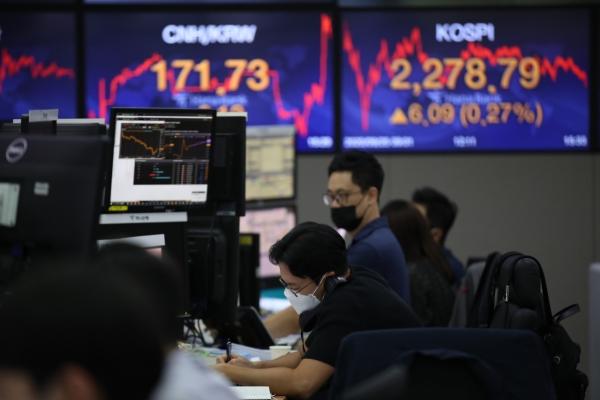 Seoul stocks close higher on hopes for new US economic stimulus