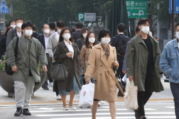 Masks mandatory on buses, subways, hospitals and rallies starting Tuesday