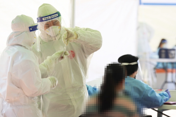 S. Korea faces uptick in both local and imported virus cases