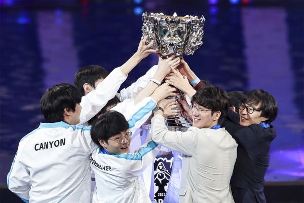 Damwon defeats Suning to win LoL Worlds