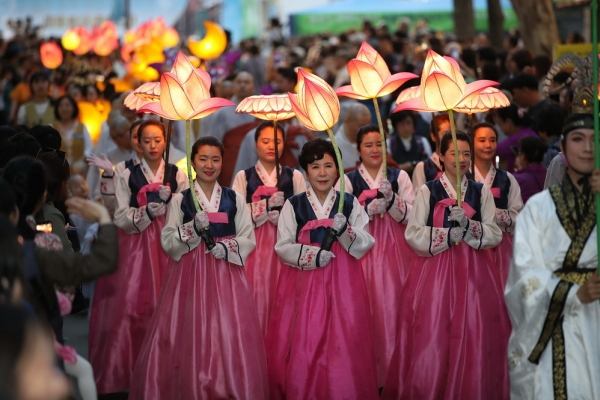 S. Korea's lantern lighting fest likely to be listed as UNESCO intangible cultural heritage