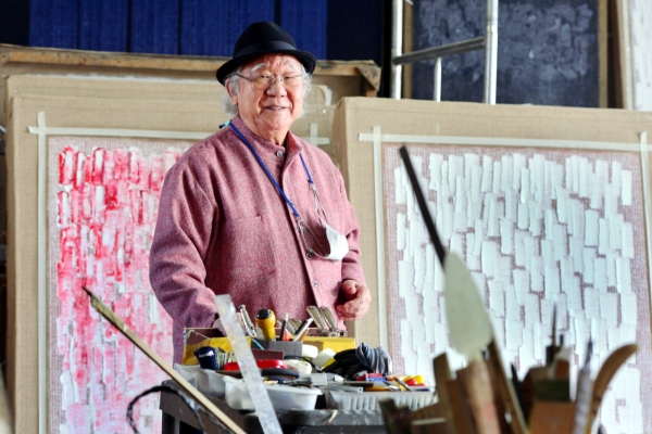 [Herald Interview] Dansaekhwa master Ha Chong-hyun makes best of adversity