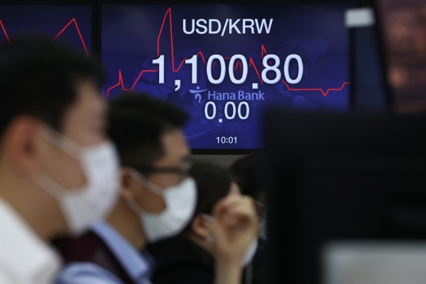 US stimulus talks, vaccines boost Korea's currency to 30-month high