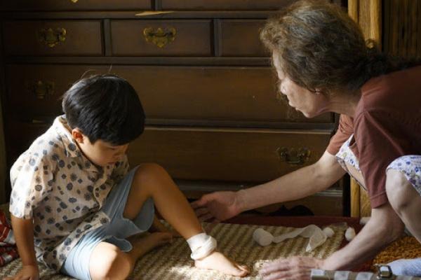 Youn Yuh-jung continues to capture US film critics' heart