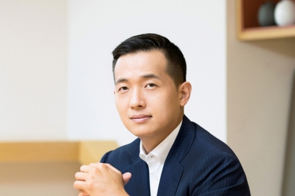 Kim Dong-kwan reinvents Hanwha's identity as renewable energy leader