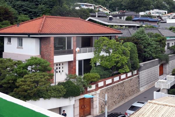 Court refuses to cancel seizure of annex to ex-President Chun's house