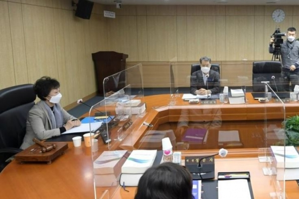 Ex-Seoul Mayor Park sexually harassed secretary: watchdog