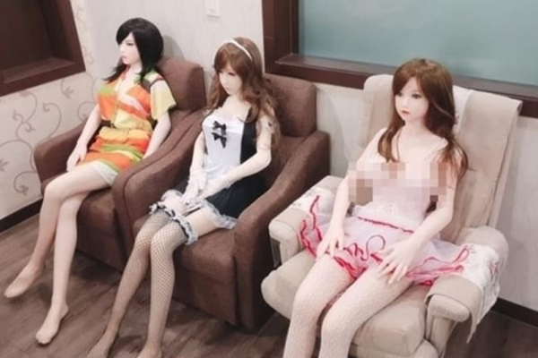 [Newsmaker] Controversy brews over sex dolls in Korea