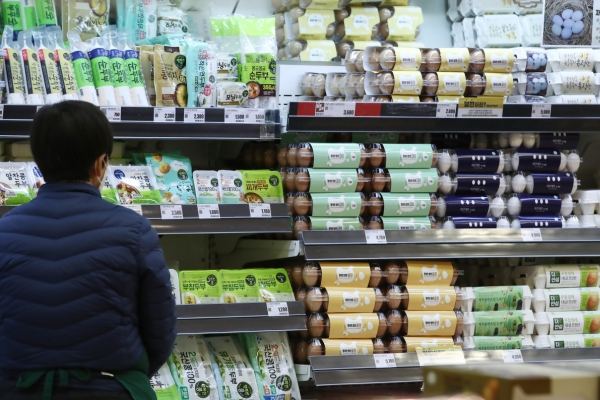 [Newsmaker] Egg prices expected to soar 68% in March-May: think tank