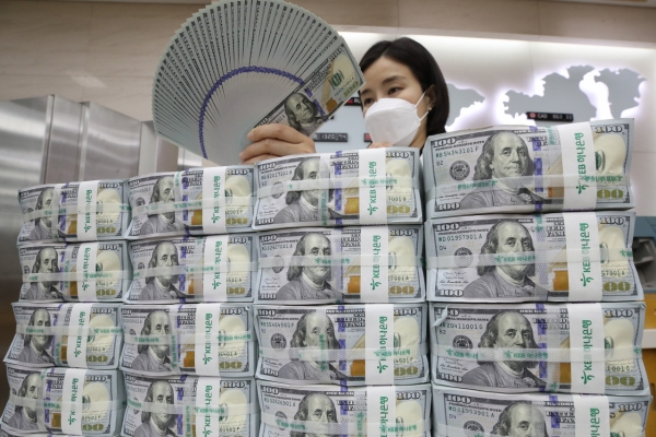 S. Korea's FX reserves fall in March on stronger dollar