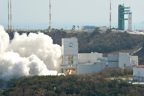 S. Korea to rev up space development after lifting of US missile