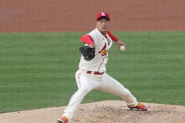 Cardinals' Kim Kwang-hyun takes loss in shortest outing of season
