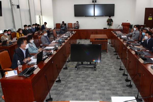 S. Korea vows efforts to protect freedom of expression after UN criticism of media bill