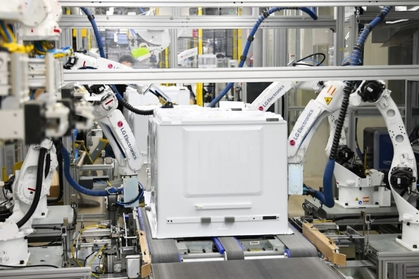 LG Electronics completes 1st phase of smart home appliance factory upgrades