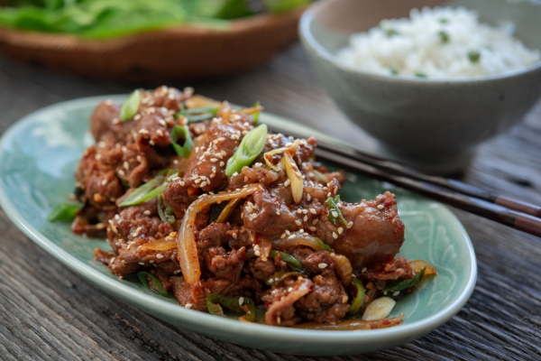 [Holly's Korean Kitchen] Jeyuk bokkeum, spicy Korean pork bulgogi