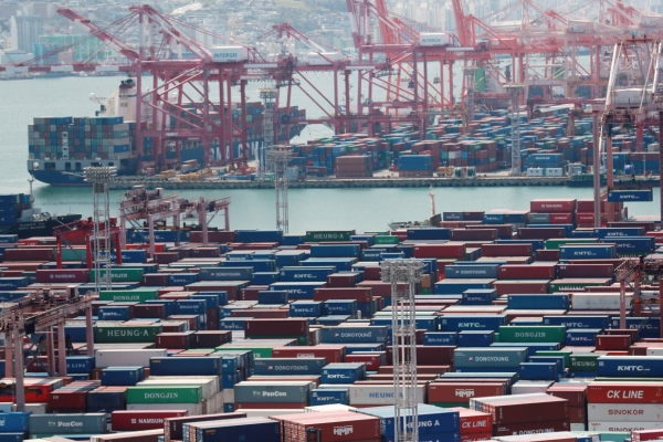 Exports jump 63.5% in first 10 days of Oct.